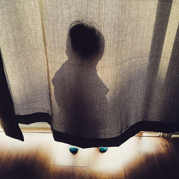 ninos-jugando-escondite (6)