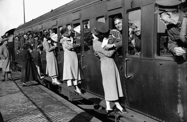 fotos-antiguas-parejas-tiempos-guerra (7)
