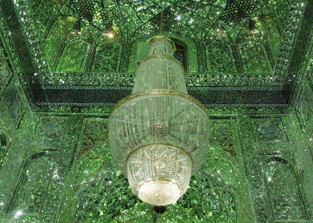 mezquita-esmeralda-shah-cheragh-iran (9)