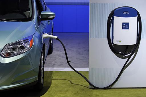 зарядна станция електрически автомобили