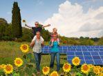 Коя възобновяема енергия е по-добра, вятърна или слънчева?