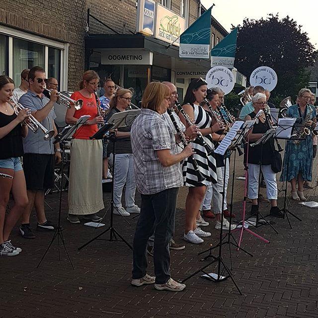 Platzconcert door L'Uni-Age het ouderen opstap orkest van @harmonielunionborn  #born #borninbeeld #muziek