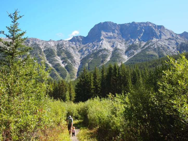 The 1.5 km hike from Eau Claire Campground