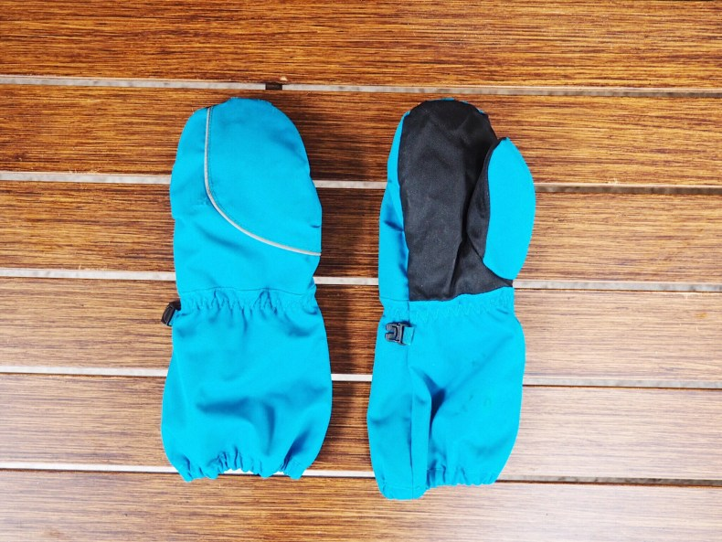 Stonz Mittz The Canada Mittens Blue//Black Cold Weather Gloves and Big Kid Mittens for Toddlers with 3M Thinsulate 4-8+ years