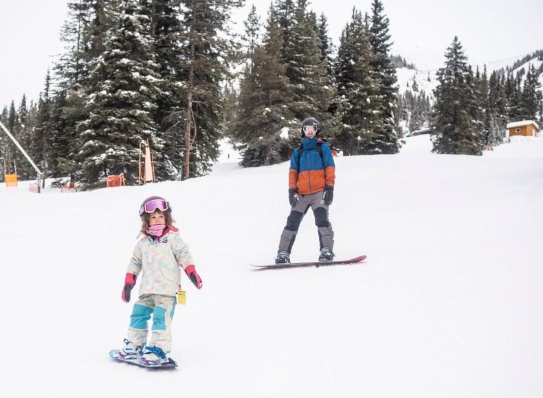 teach kid to snowboard