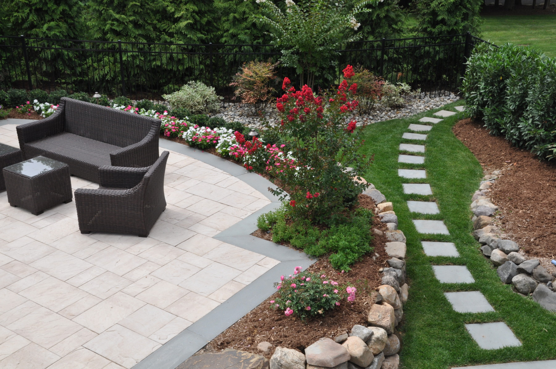 15 Beautiful Small Backyard Landscaping Ideas - Borst ... on Small Backyard Landscaping  id=85820
