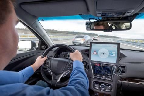 Mit der Technologie Cellular-V2X (Vehicle-to-Everything) wollen Bosch, Vodafone und Huawei die Kommunikation eines Autos mit anderen Fahrzeugen und dem Umfeld per Mobilfunk möglich machen.