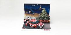 Papercraft imprimible y armable de un diorama navideño de coches. Manualidades a Raudales.