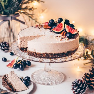 gingerbread cheesecake with cashew filling