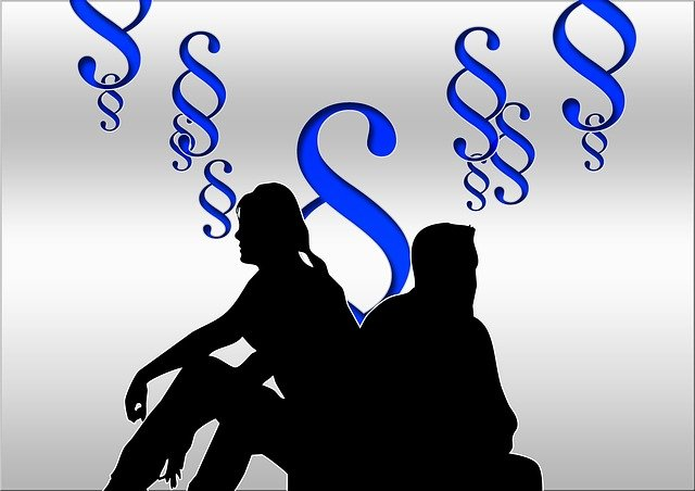 Divorcing couple in silhouette