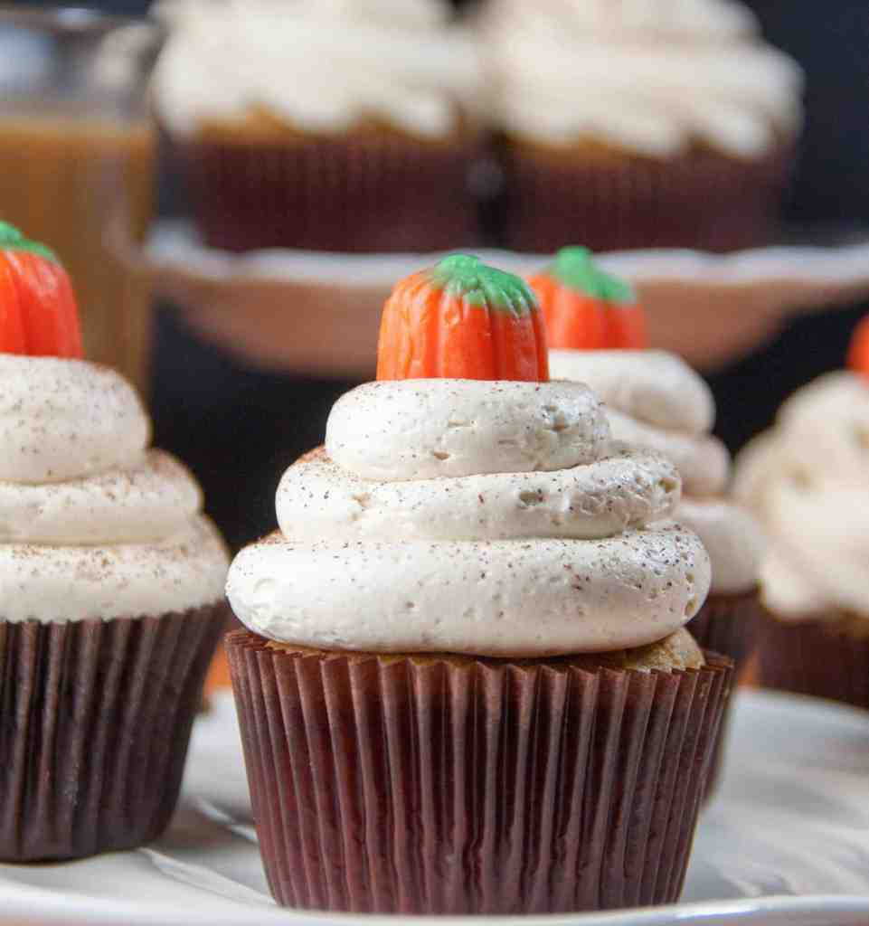 easy pumpkin cupcakes with espresso buttercream
