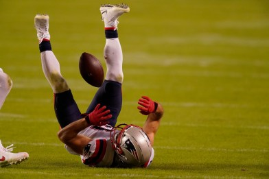 Patriots self-inflicted wounds costly in Chiefs loss