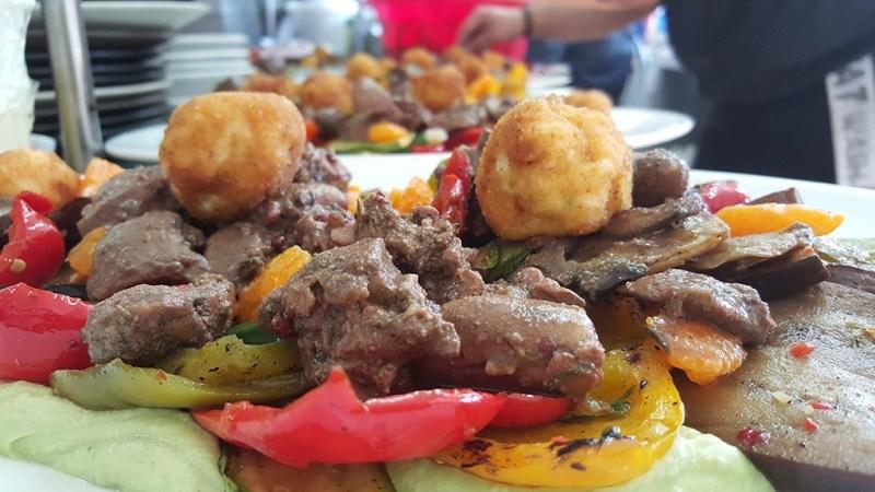 Βοτανικό Πάρκο και Κήποι Κρήτης- Πιάτα με παραδοσιακό Κρητικό Κρέας.