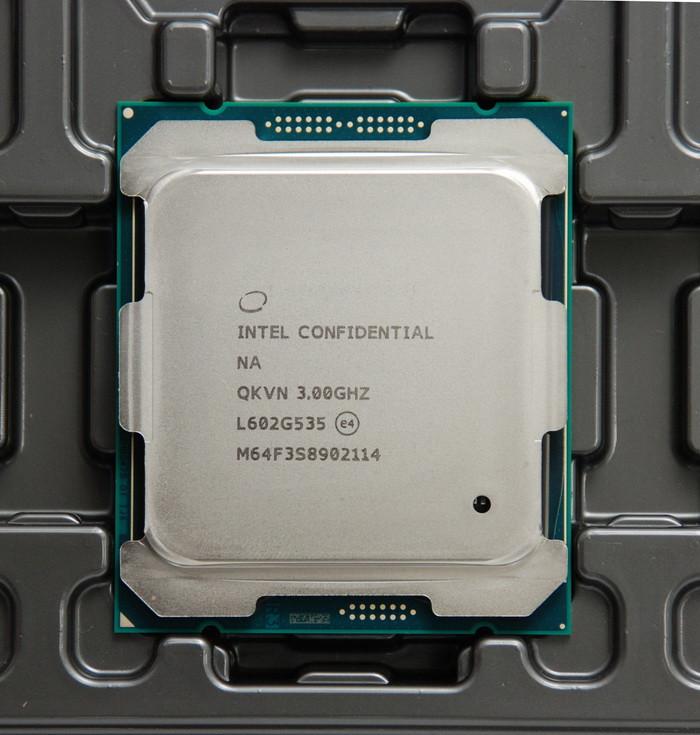 Intel-Core i7-6950X-ES-02