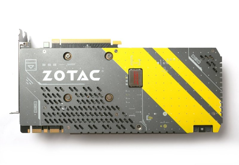 ZOTAC-GeForce-GTX1080-AMP-03