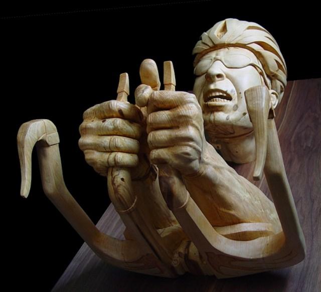 escultura-madeira-stefanie rocknak-05
