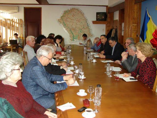 intalnire prefect cu liderii Sanitas Botosani