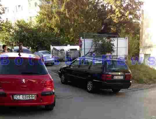 masinile care au blocat o strada din Botosani