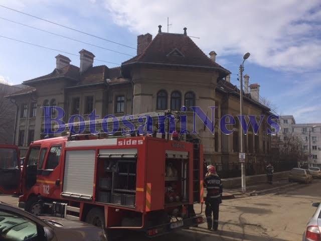 exercitiu pompieri la biblioteca judeteana - botosani