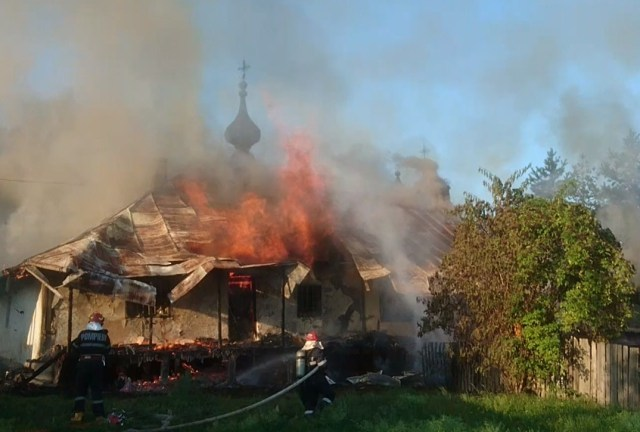 incendiu la Manastirea Agafton din Botosani