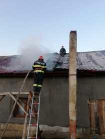 incendiu, casa, stiri, botosani, flamanzi, pompieri (4)