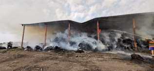incendiu furaje, stiri, botosani, pompieri