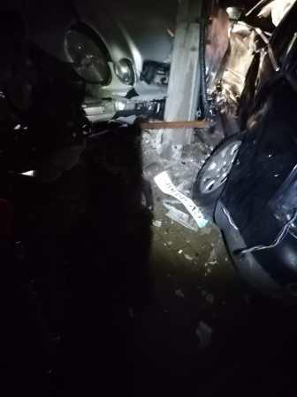 stiri, accident, masina in stalp (1)