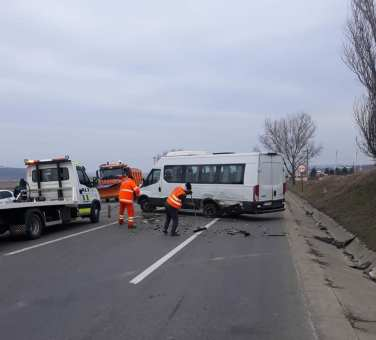 accident microbuz, stiri