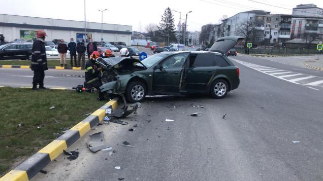 accident pe strada Uzinei in fata Lidl Botosani (2)