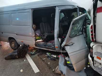 accident microbuz, camion (1)