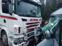 accident microbuz, camion (3)