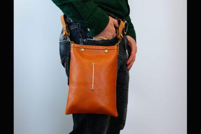 工房から届く本革のかばん