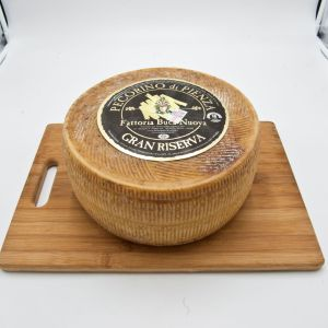 24-month aged Gran Riserva Pecorino cheese from Pienza