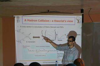 البروفيسور رشيق صوالح أستاذ الفيزياء النووية