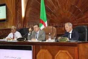 السيد حاج مقداد والي المسيلة يترأس إجتماع مجلس الولاية الموسع