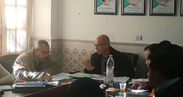 رئيس البلدية يجتمع مع النواب والمدراء  ورؤساء اللجان والادارين