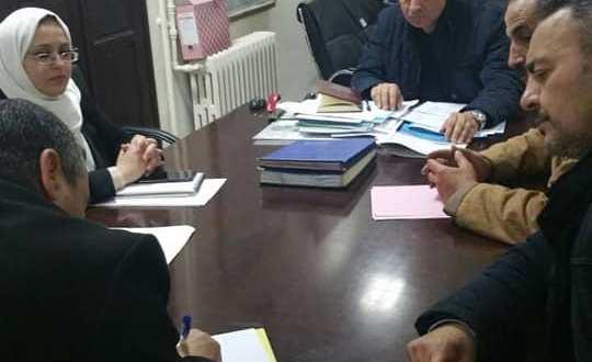 رئيس الدائرة يشرف على اجتماع بحضور اللجان الصحية  لعملية التلقيح ضد داء البوحمرون.