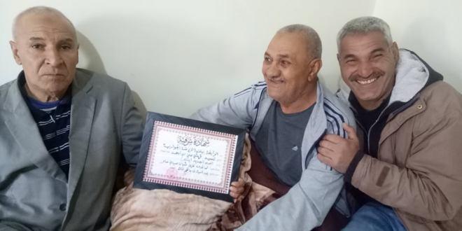 الرابطة الجوارية للرياضة لبلدية سيدي عامر تكرم اللاعب السابق علي قريشي
