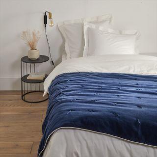 couvre lit dessus de lit et edredon