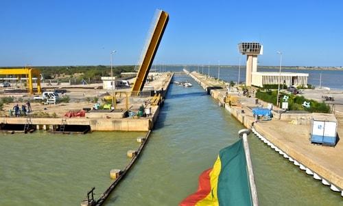 Le barrage de Diama