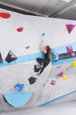Friederike Fell meistert als einzige Frau Boulder Nummer 3