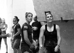 Afra vom Athletenteam war mit den Boulderwelt Youngsters in Gilching auf dem Oberlandcup unterwegs