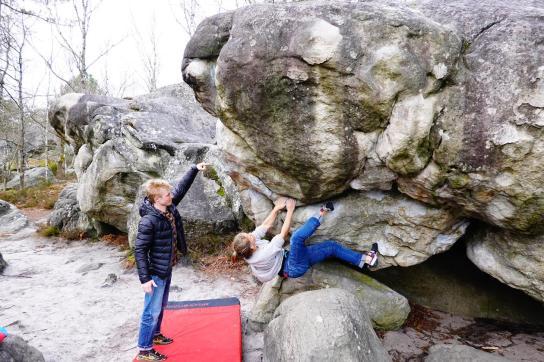 2019-Boulderwelt-Athletenteam-Ausfahrt-Bouldern-Klettern-Felsen-Fontainebleau (79)