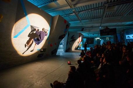 2016-boulderwelt-frankfurt-event-wettkampf-frankfurter-stadtmeisterschaft-bouldern-klettern-9073