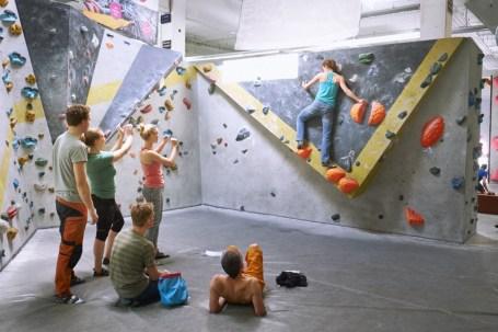 2018-Boulderwelt-Frankfurt-Bouldern-Klettern-Event-Veranstaltung-Spasswettkampf-day-of-the-boulder-DSF3349