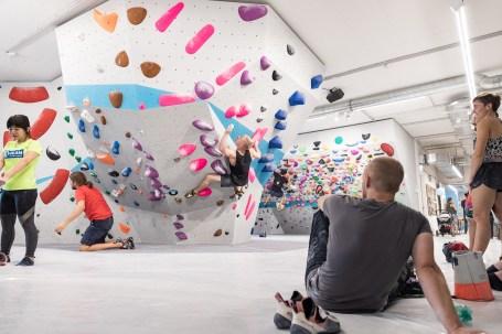 2019-Boulderwelt-München-Ost-Bouldern-Klettern-neue-Halle-Eröffnung-Event-web120-68