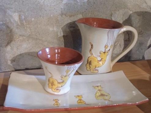 Collection de poterie chat qui griffe