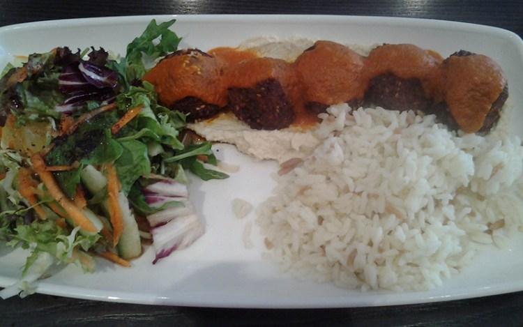 Vegan in England - Hummus and Falafel