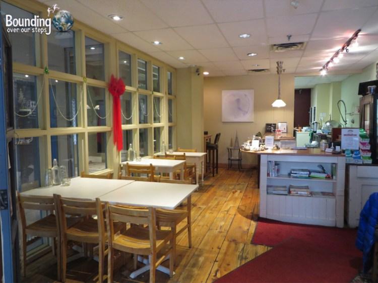 Rawlicious Vegan Restaurant - Dining Area