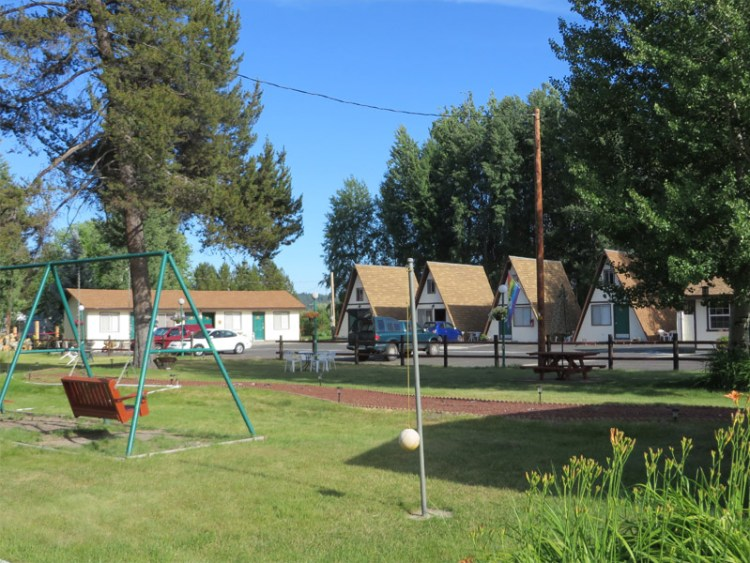 The Aspen Inn grounds